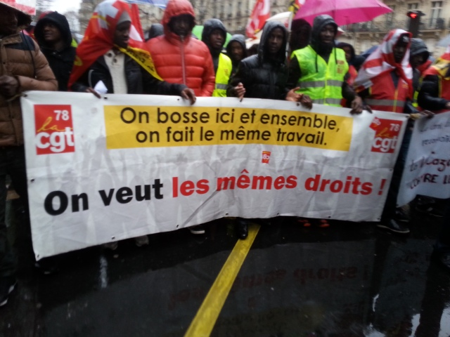 On bosse ici et ensemble, on fait le même travail, on veut les mêmes droits, CGT 78 [We work here and together, we do the same job, we want the same rights, CGT 78]