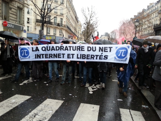 La quadrature du net, internet et libertés [The squaring of the net, internet and freedoms]
