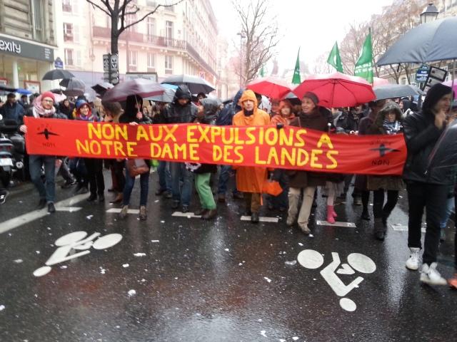 Non aux expulsions à Notre Dame des Landes [No to the evictions at Notre Dame des Landes]