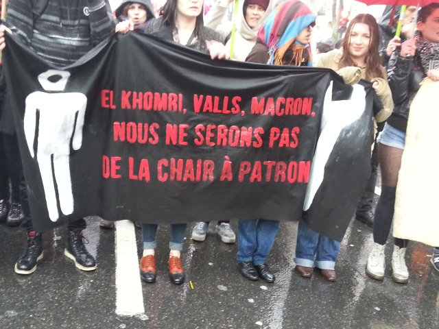 El Khomri, Valls, Macron, nous ne serons pas de la chair à patron [El Khomri, Valls, Macron, we won't be boss fodder]