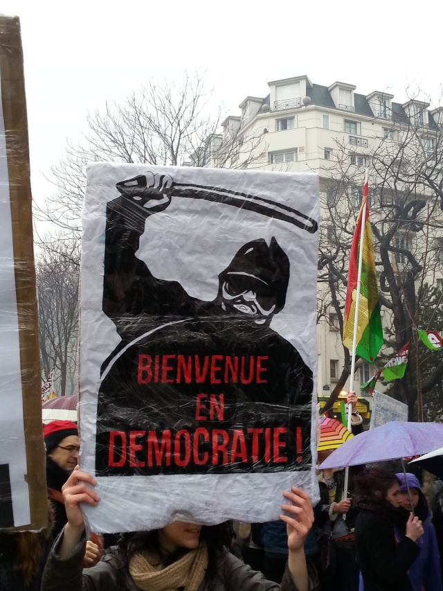 Bienvenue en démocratie [Welcome to democracy]