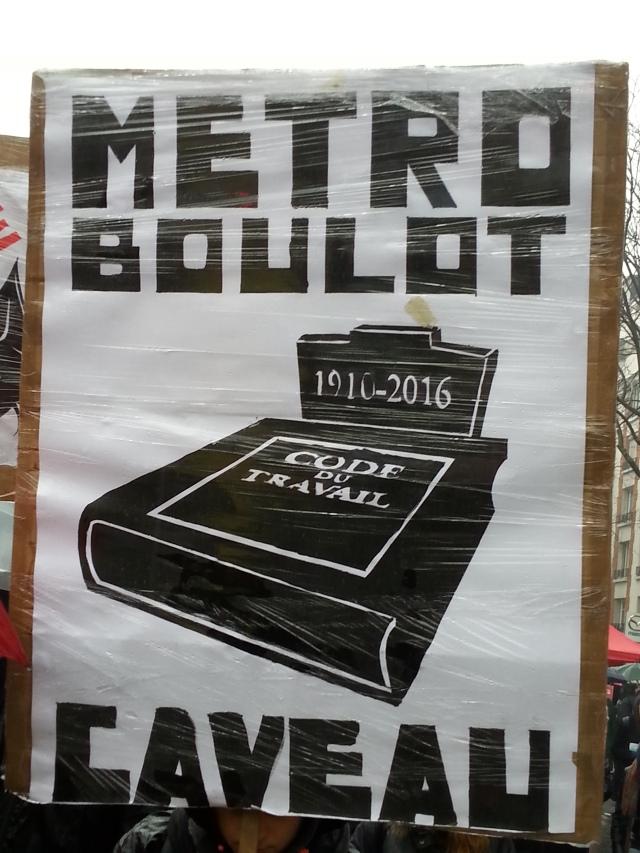 Métro boulot caveau [Underground work vault]