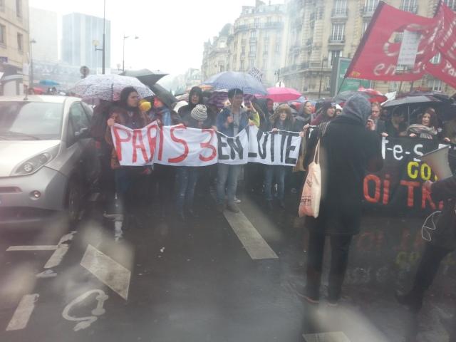 Paris 3 en lutte [Paris 3 in struggle]