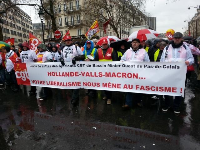 Hollande, Valls, Macron, votre libéralisme nous mène au fascisme, CGT [Hollande, Valls, Macron, your liberalism leads us to fascism, CGT]