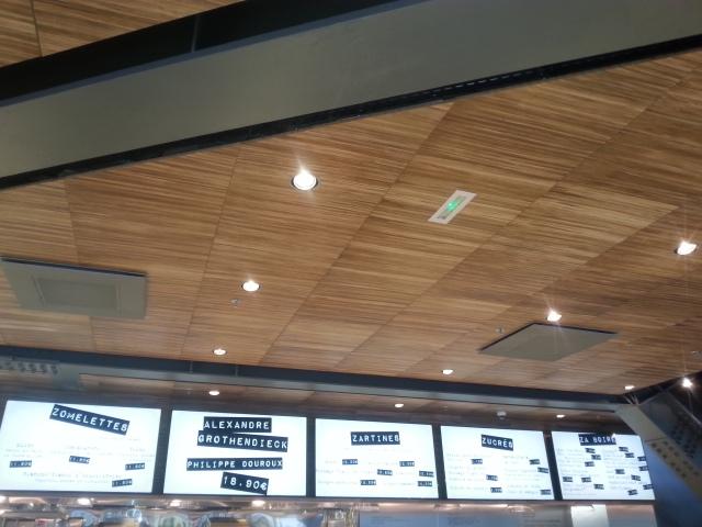 Menu et formules du restaurant français Za [Board and set menus of the French restaurant Za]