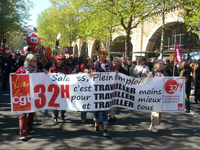 Salaires, plein emploi, 32h, travailler moins mieux tous, CGT 95 [Wages, full employment, 32 hours, work less better all, CGT 95]