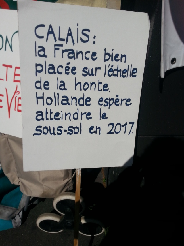Calais : la France bien placée sur l'échelle de la honte. Hollande espère atteindre le sous-sol en 2017 [Calais : France well placed on the scale of shame. Hollande hopes to reach the basement in 2017]