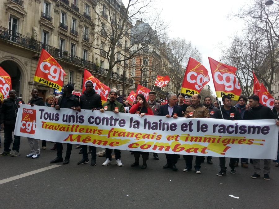 Tous unis contre la haine et le racisme, travailleurs français et immigrés même combat, CGT Paris [All united against hate and racism, French and immigrant workers same fight, CGT Paris]