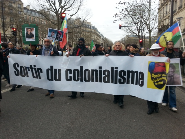 Sortir du colonialisme [Get out of colonialism]