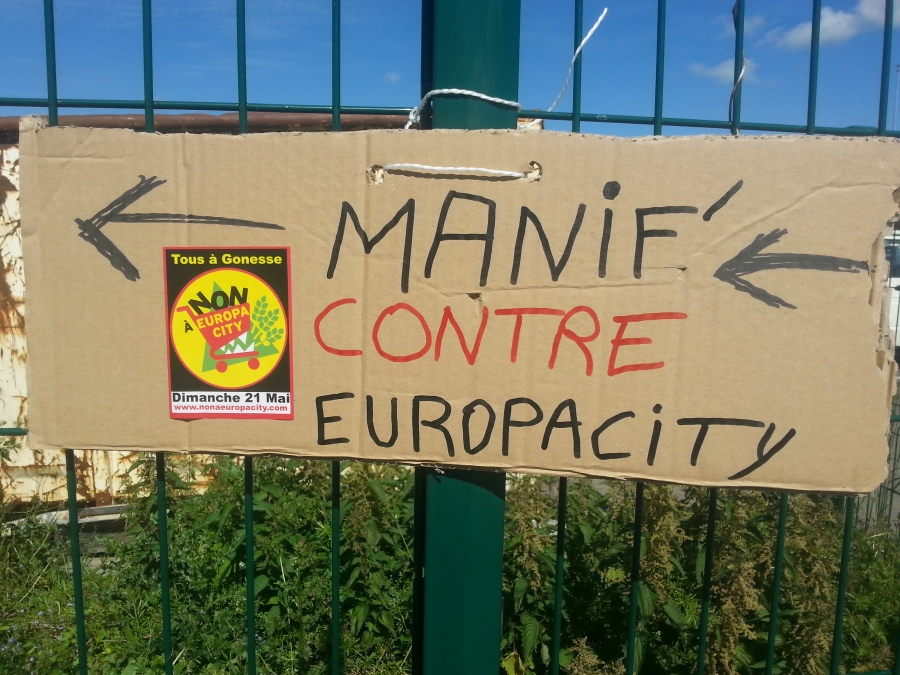 Manifestation contre EuropaCity [Demonstration against EuropaCity]