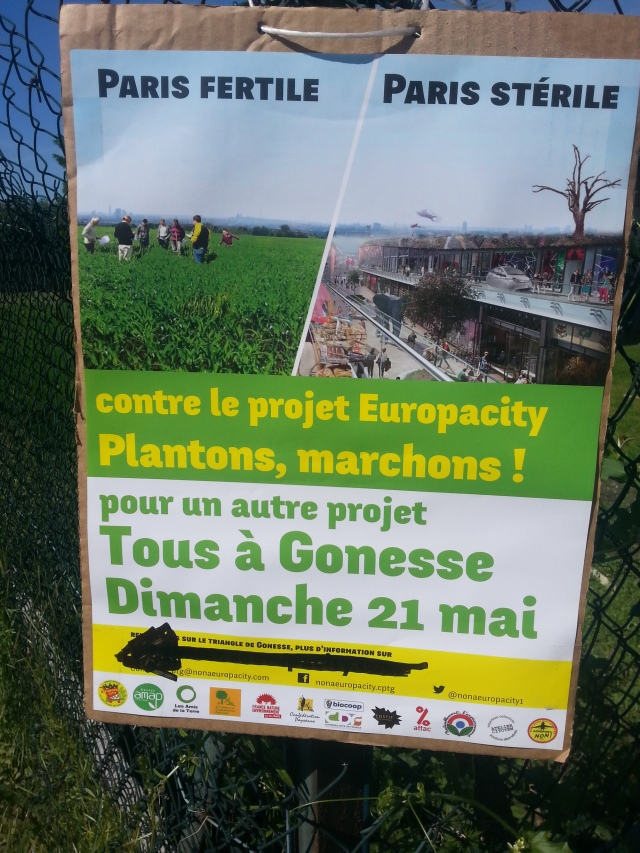 Contre le projet EuropaCity, plantons, marchons [Against the EuropaCity project, let's plant, let's walk]