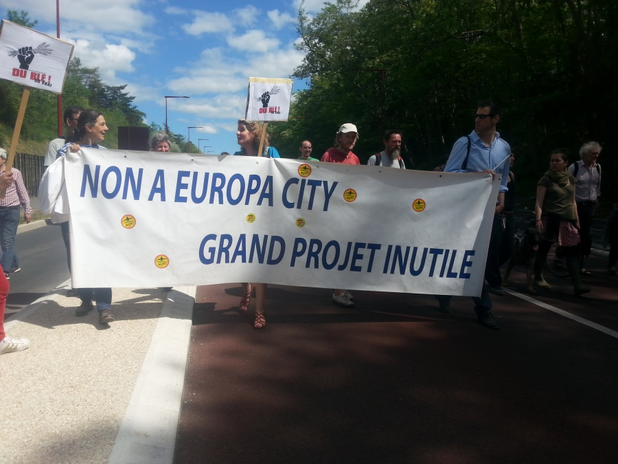 Non à Europa City, grand projet inutile [No to Europa City, big useless project]
