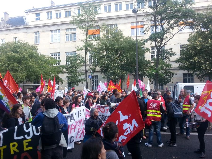 Lycéens et étudiants contre la loi travail [High school students and students against the 'work' law]