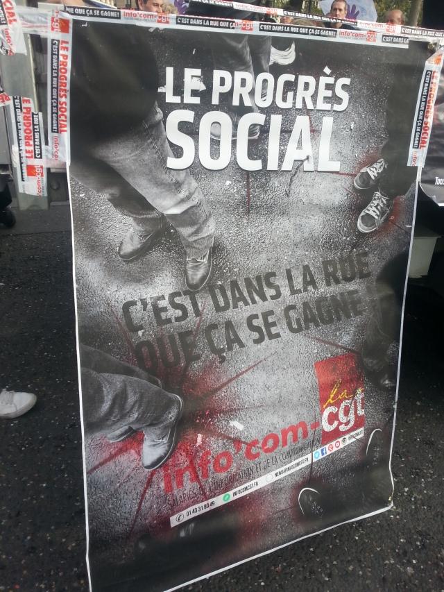 Le progrès social c'est dans la rue que ça se gagne, CGT Info'com [Social progress is won on the street, CGT Info'Com]