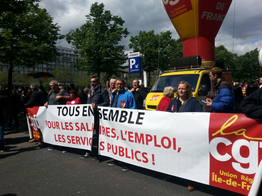 Tous ensemble, pour les salaires, l'emploi et les services publics, CGT union régionale d'Île-de-France [All together, for the salaries, the employment and the public utilities, CGT regional union of Paris metropolitan region]