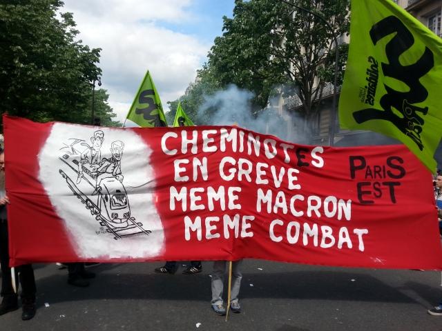 Cheminots en grève, même Macron même combat, Paris Est [Railway workers on strike, same Macron same fight, Paris East]