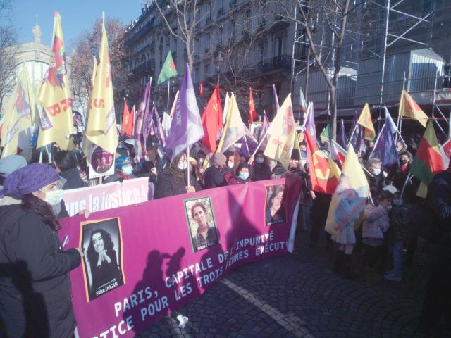 Paris, capitale de l'impunité, justice pour les 3 femmes exécutées [Paris, capital of impunity, justice for the 3 executed women]