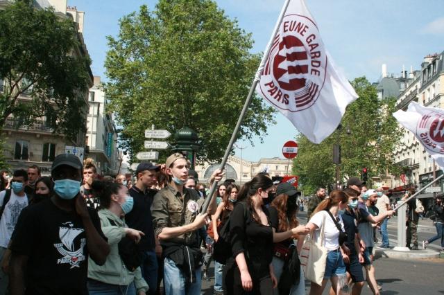 Jeune garde Paris [Young guard Paris]